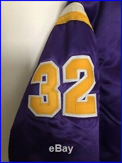 Los Angeles Lakers Vintage Bomber Satin Very Rare #32 Jacket. Size M